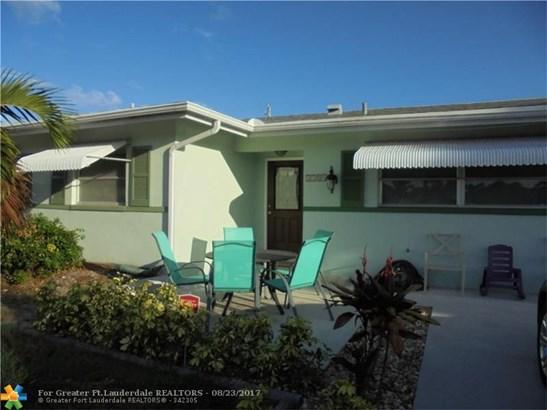 1104 Se 14th St, Deerfield Beach, FL - USA (photo 2)