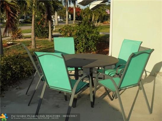 1104 Se 14th St, Deerfield Beach, FL - USA (photo 4)