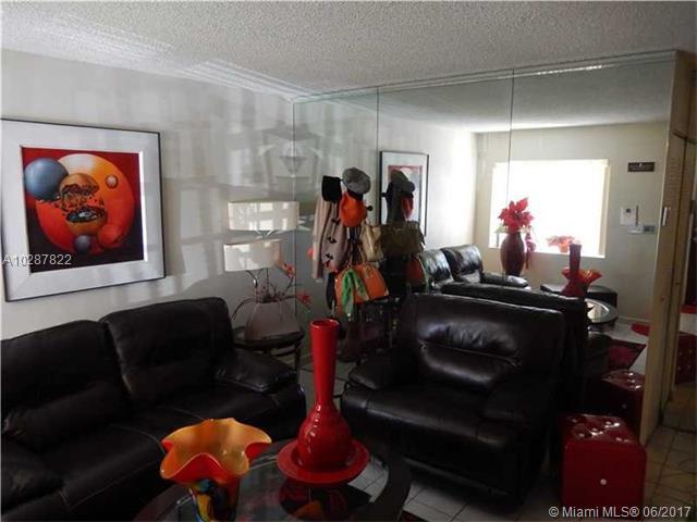 11400 Nw 87th Ct, Hialeah Gardens, FL - USA (photo 2)