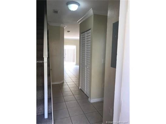 10632 Nw 87th Ct, Hialeah Gardens, FL - USA (photo 2)