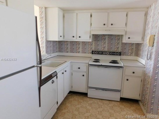 1700 Nw 80th Ave  #305, Margate, FL - USA (photo 2)