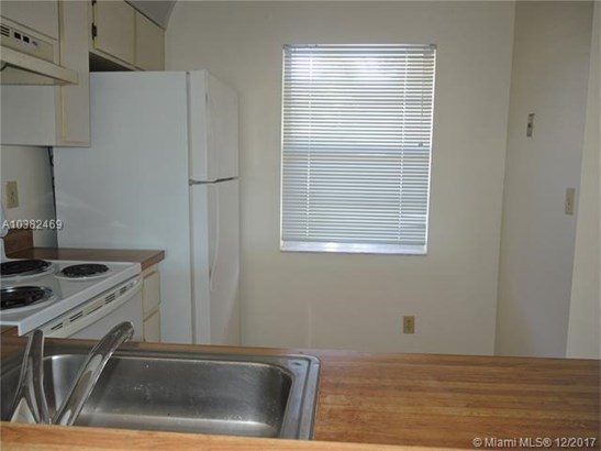 8770 Royal Palm Blvd  #103-2, Coral Springs, FL - USA (photo 5)