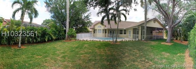 9977 N Springs Wy , Coral Springs, FL - USA (photo 2)