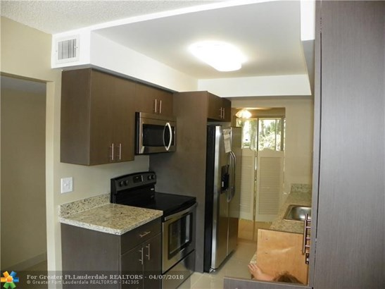 4898 Nw 29th Ct #114, Lauderdale Lakes, FL - USA (photo 1)
