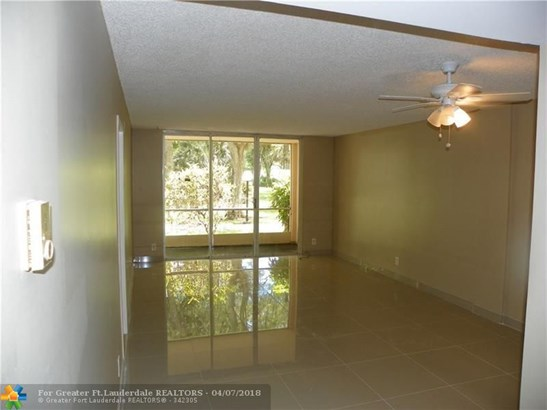 4898 Nw 29th Ct #114, Lauderdale Lakes, FL - USA (photo 5)