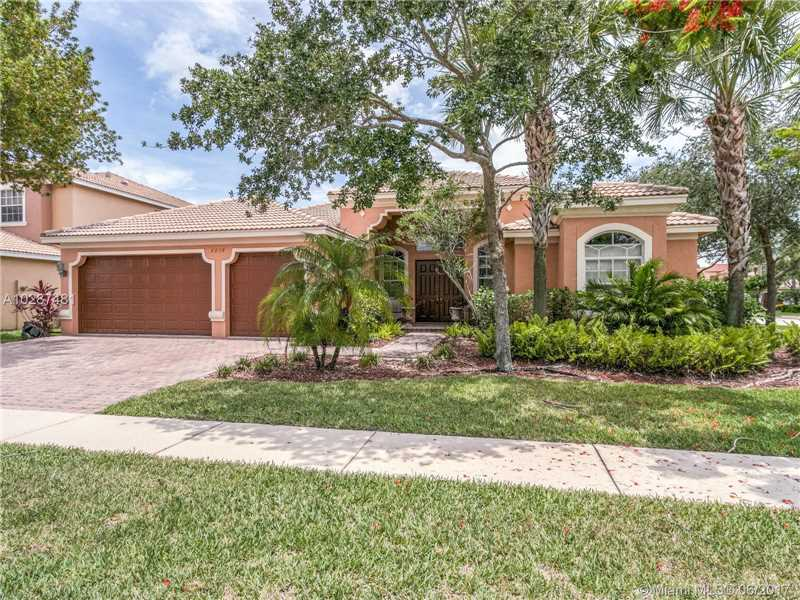 Single-Family Home - Lakeworth, FL (photo 1)