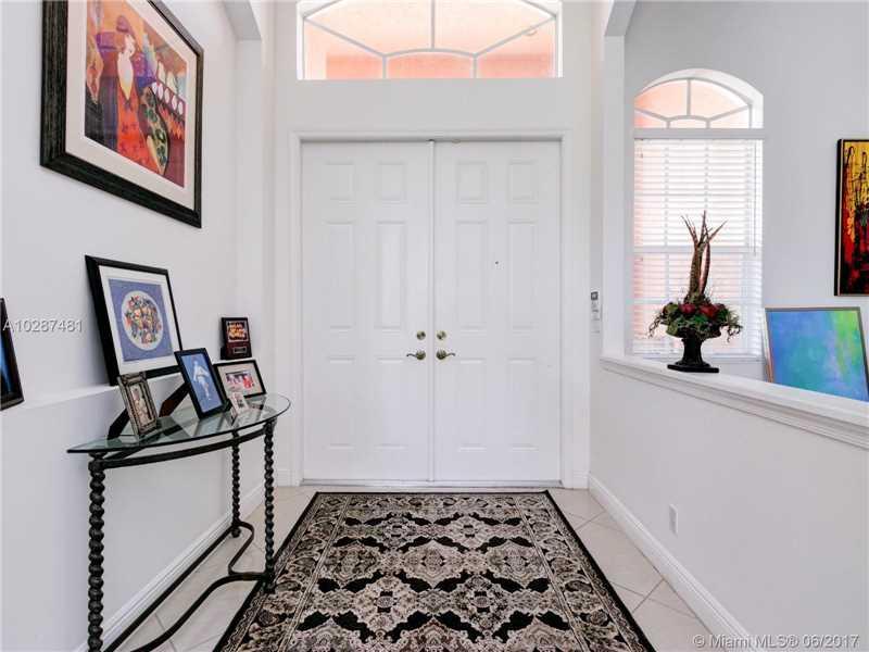 Single-Family Home - Lakeworth, FL (photo 2)