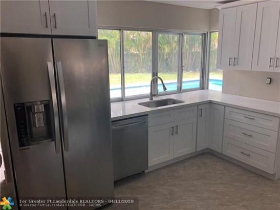 7501 Nw 84th St, Tamarac, FL - USA (photo 5)