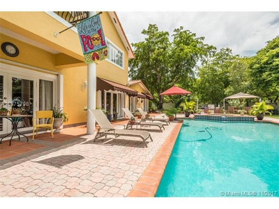 14710 Harris Pl, Miami Lakes, FL - USA (photo 3)