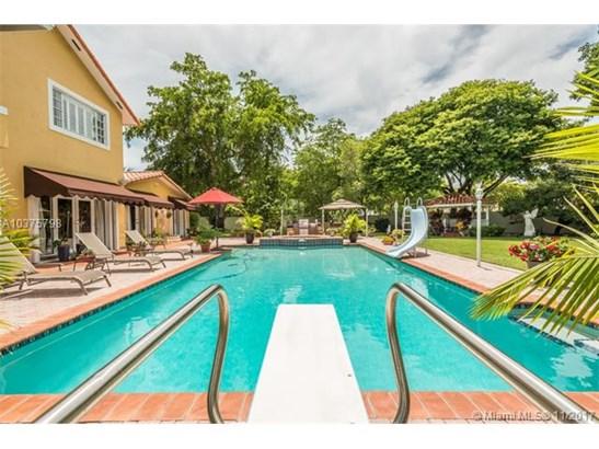 14710 Harris Pl, Miami Lakes, FL - USA (photo 4)