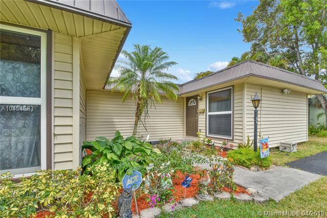 8001 Nw 68th Ter, Tamarac, FL - USA (photo 1)