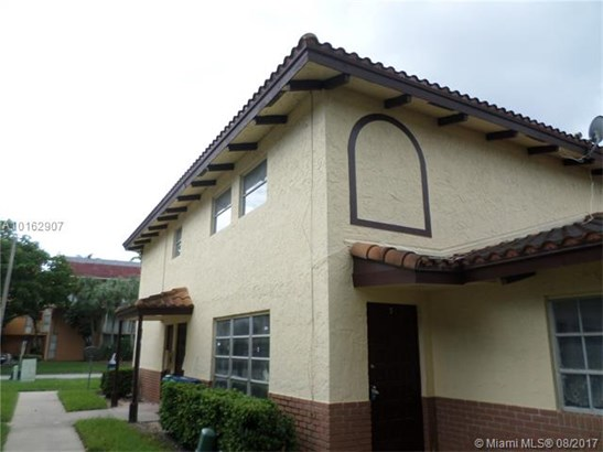 Condo/Townhouse - Coral Springs, FL (photo 1)