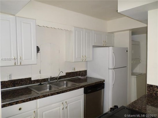 Condo/Townhouse - Coral Springs, FL (photo 3)