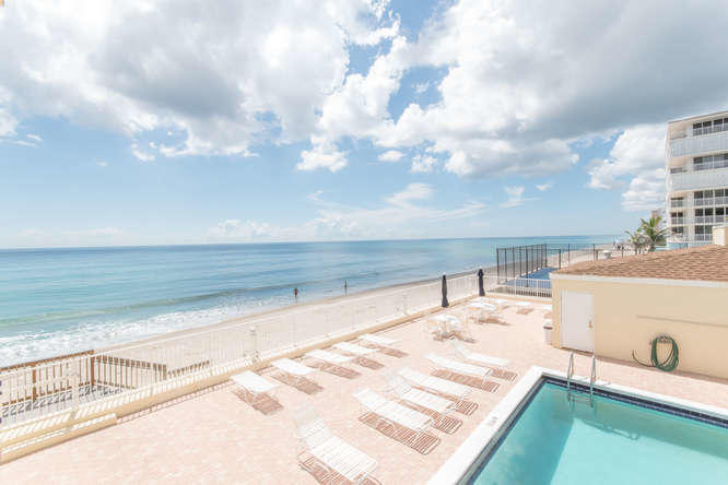 Condo/Townhouse - South Palm Beach, FL (photo 4)