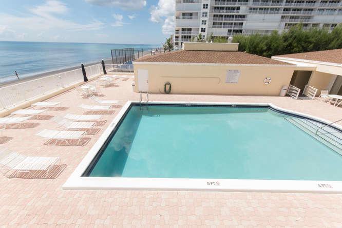 Condo/Townhouse - South Palm Beach, FL (photo 5)