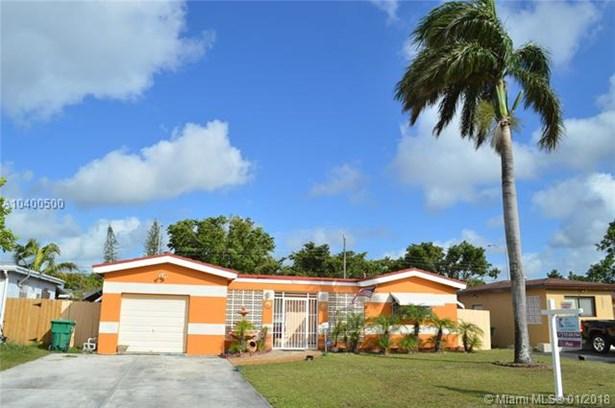 7833 Granada Blvd, Miramar, FL - USA (photo 2)