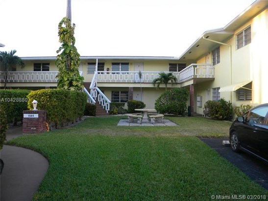1501 Arthur St  #7, Hollywood, FL - USA (photo 2)