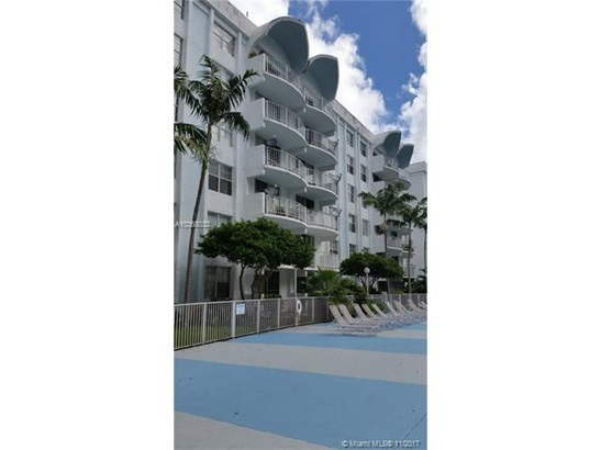 488 Nw 165th St Rd, Miami, FL - USA (photo 1)
