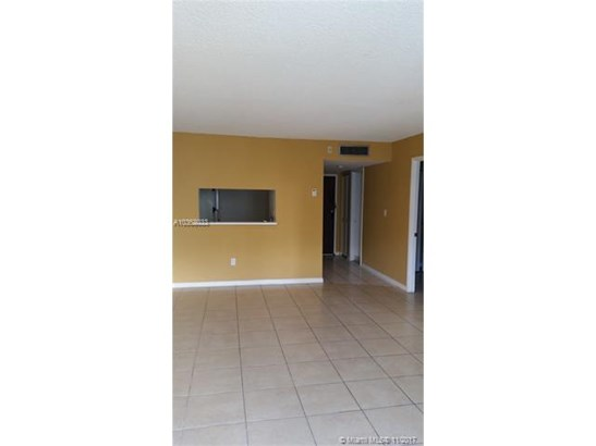 488 Nw 165th St Rd, Miami, FL - USA (photo 4)