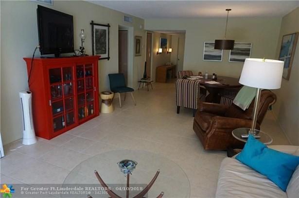 3200 N Course Ln #215, Pompano Beach, FL - USA (photo 1)