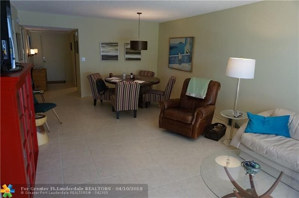 3200 N Course Ln #215, Pompano Beach, FL - USA (photo 4)