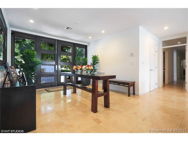 Single-Family Home - Coral Gables, FL (photo 2)