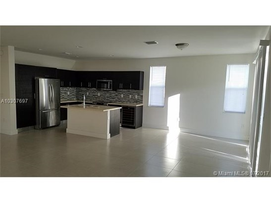 6940 Nw 104th Ct, Medley, FL - USA (photo 2)