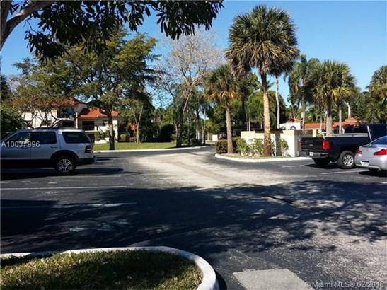 9956 N Nob Hill Pl, Sunrise, FL - USA (photo 5)