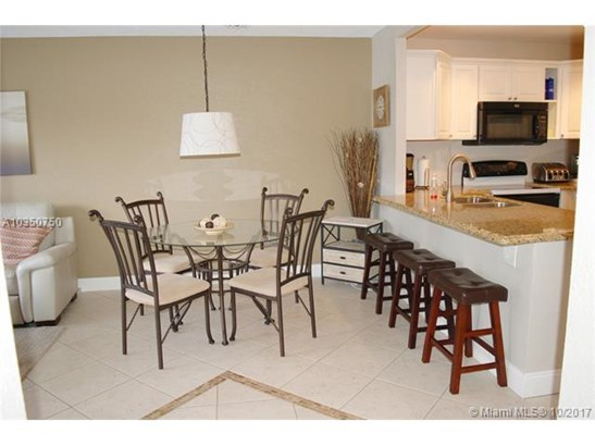 5100 Nw 35th St  #203, Lauderdale Lakes, FL - USA (photo 4)