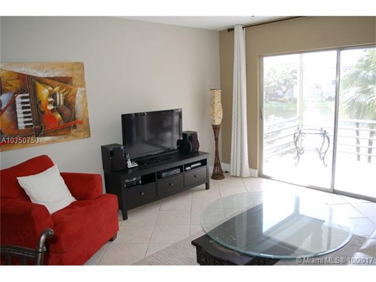5100 Nw 35th St  #203, Lauderdale Lakes, FL - USA (photo 5)
