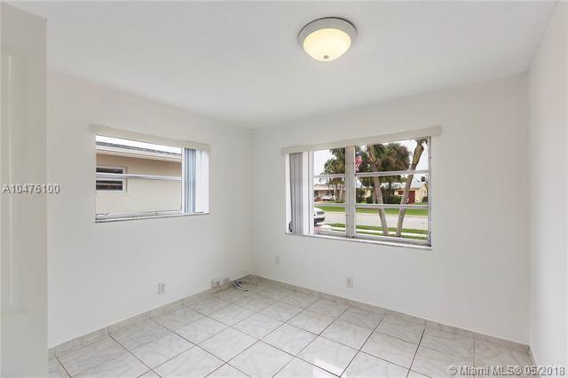 6805 Margate Blvd, Margate, FL - USA (photo 5)