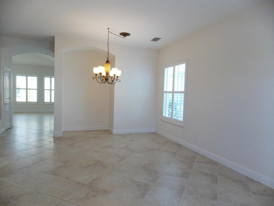 Single-Family Home - Port Saint Lucie, FL (photo 4)