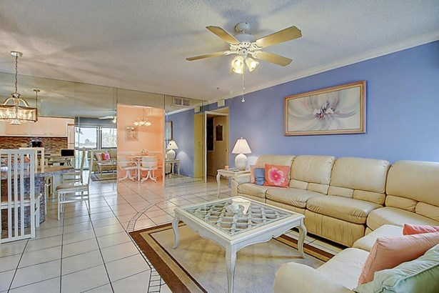 826 Sky Pine Way Unit B2, Greenacres, FL - USA (photo 2)