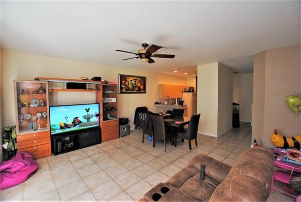 Condo/Townhouse - West Palm Beach, FL (photo 5)