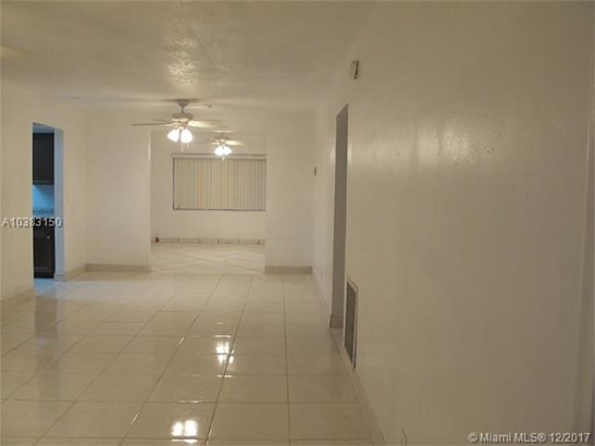 6820 Simms St, Hollywood, FL - USA (photo 4)