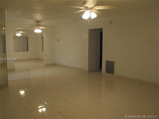 6820 Simms St, Hollywood, FL - USA (photo 5)