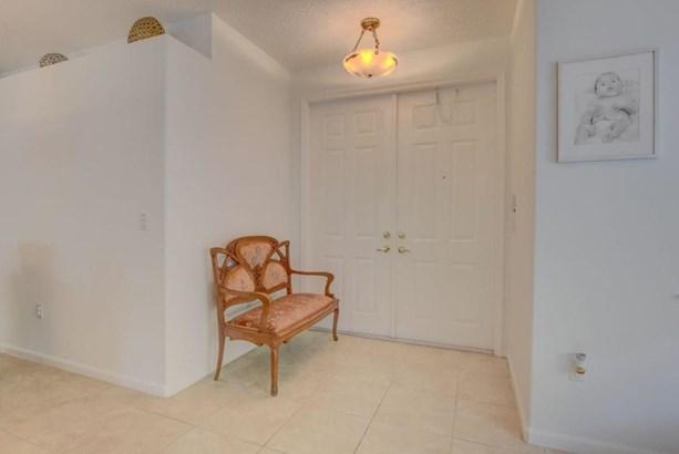 2422 Westmont Drive, Royal Palm Beach, FL - USA (photo 4)