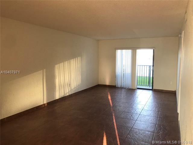 9911 W Okeechobee Rd  #1-109, Hialeah Gardens, FL - USA (photo 2)
