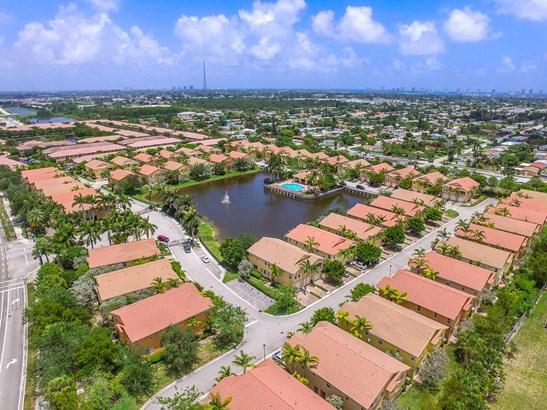 1720 Carvelle Drive, Riviera Beach, FL - USA (photo 1)