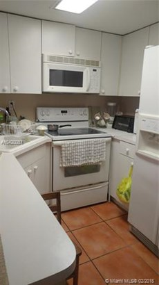 2178 W 60th St  #18111, Hialeah, FL - USA (photo 2)