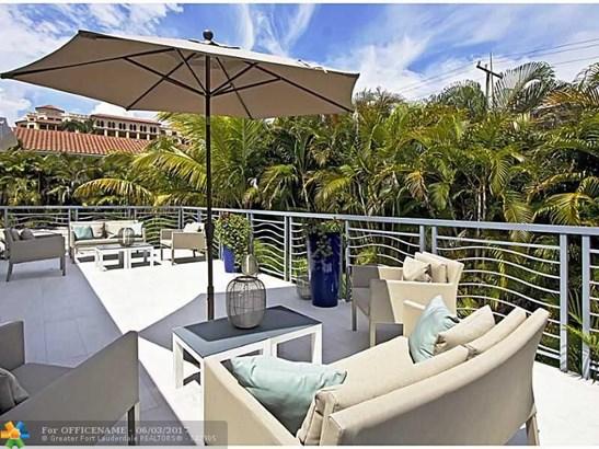Condo/Townhouse - Deerfield Beach, FL (photo 5)
