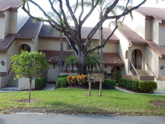 5710 Coach House Circle Unit A, Boca Raton, FL - USA (photo 2)
