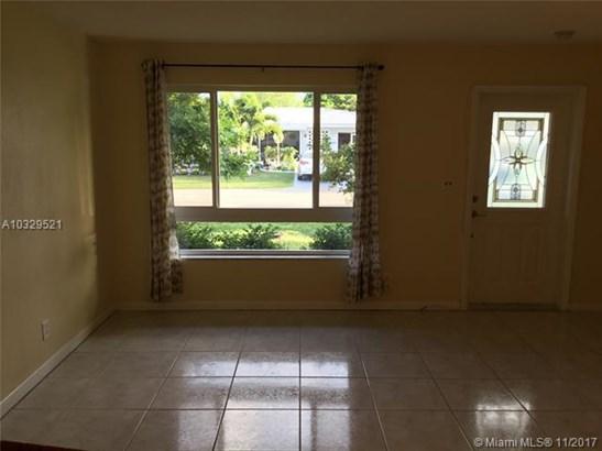 4607 Nw 46th St, Tamarac, FL - USA (photo 2)