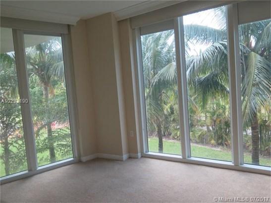 Condo/Townhouse - Hallandale, FL (photo 4)
