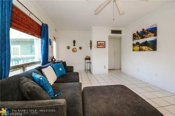 1125 Nw 30th Ct #20, Wilton Manors, FL - USA (photo 5)