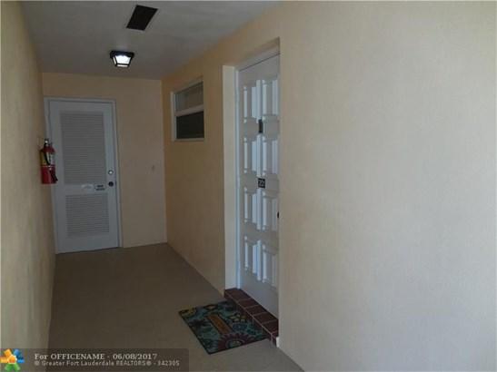 Condo/Townhouse - Boynton Beach, FL (photo 3)