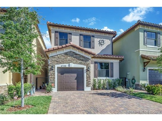 Single-Family Home - Tamarac, FL (photo 2)