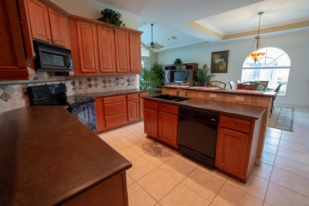 9035 Short Chip Circle, Port St. Lucie, FL - USA (photo 5)