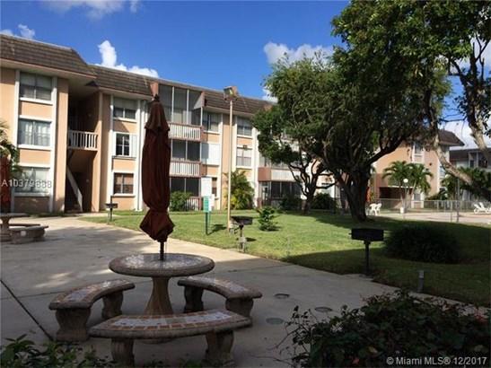 6705 Nw 169th St  #c109, Hialeah, FL - USA (photo 1)