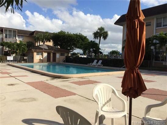 6705 Nw 169th St  #c109, Hialeah, FL - USA (photo 2)